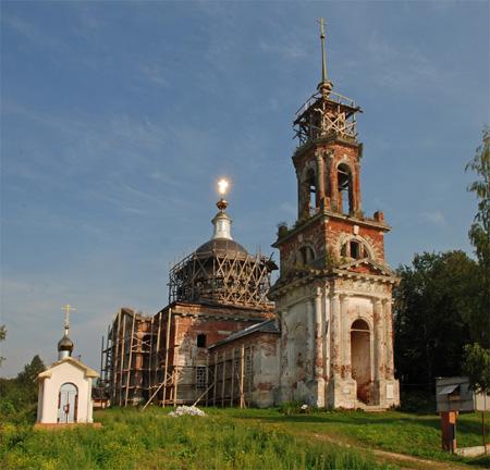 Церковь в честь Николая Чудотворца в селе Белое